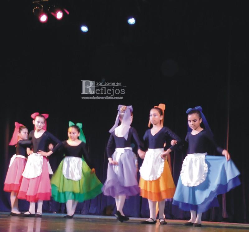 Con gran suceso se realizó anoche en el Centro Cultural de la ciudad de  Santa Fe 5ee9fc51df7