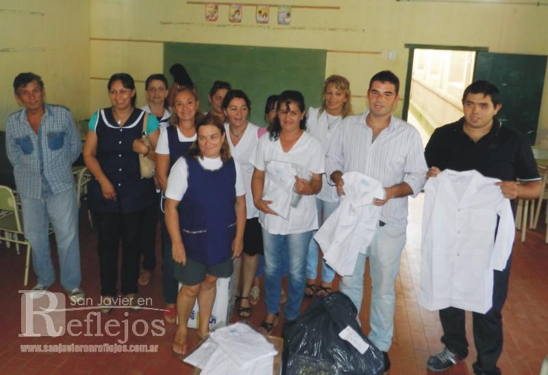 Modelos de uniformes para docentes wallpapers real madrid for Oficina qualitas auto madrid